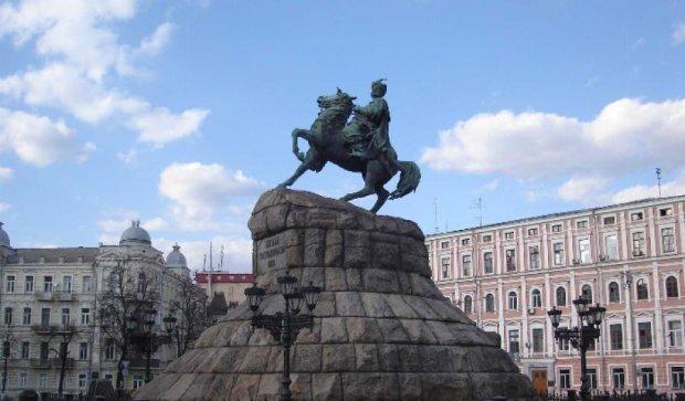 В Киеве «оживили» памятник Богдану Хмельницькому (видео)