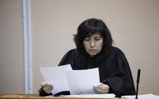 Відпустила Саакашвілі, сядеш сама: суддя Цокол може позбутись посади