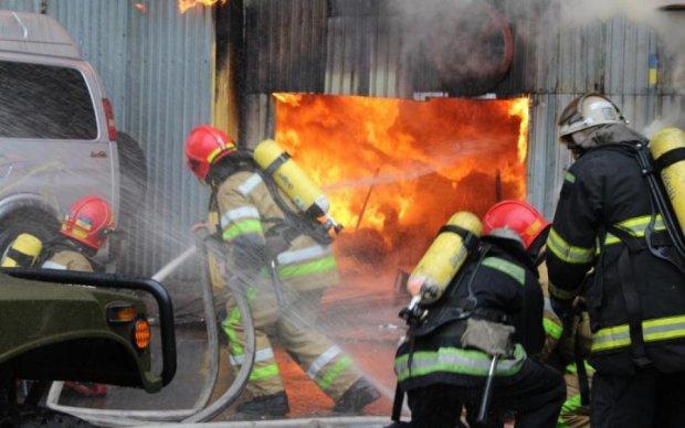 В центре Киева горел элитный ресторан: фото