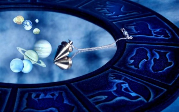 Гороскоп на четвер: що приготували зірки