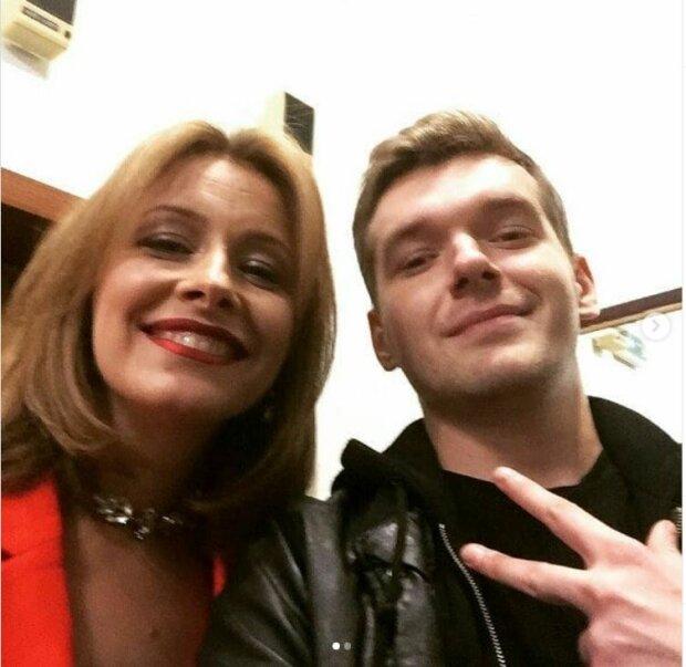 Елена Кравец с фанатом, фото Инстаграм
