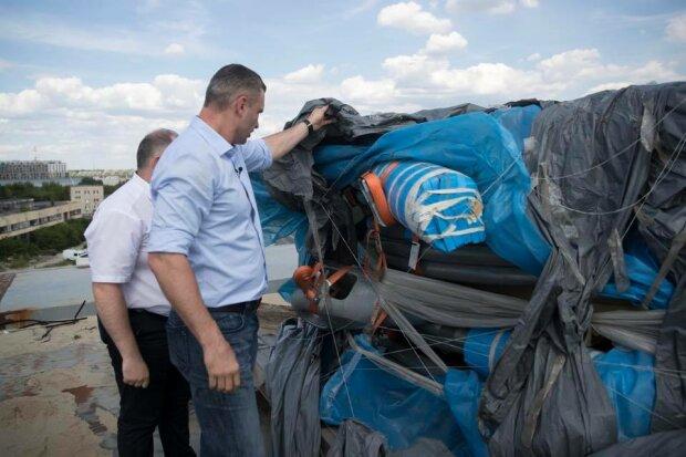 Виталий Кличко, Подольско-Воскресенский мост-фото с Фейсбук (страница В. Кличко)