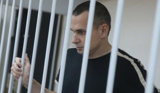 Українські дипломати мають докази тортур над Сенцовим
