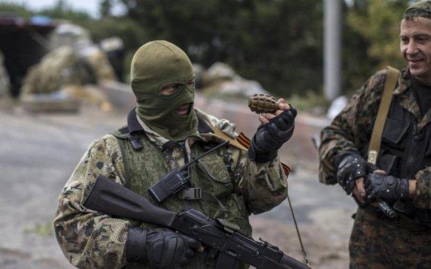 Боевик обокрал сослуживцев и сбежал к Януковичу