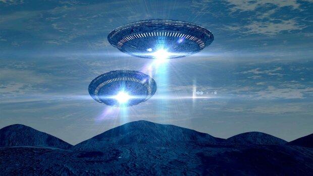 В США заметили 12 летающих объектов: пришельцы наступают