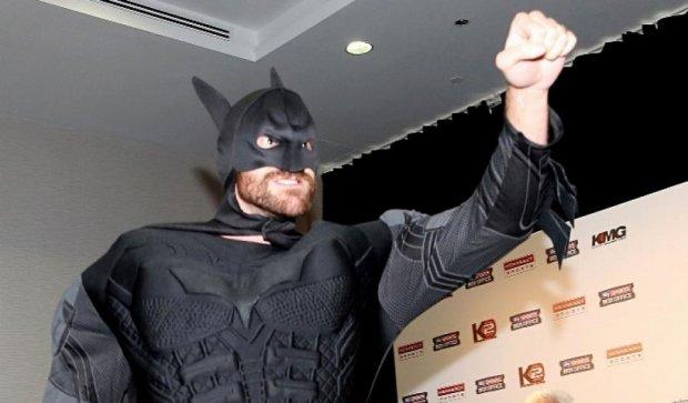 Ф'юрі збирається битися з Бетменом