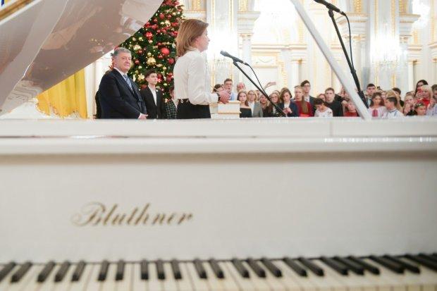 Порошенко назвав найкращі українські пісні, які слухає сам: дещо спільне із Зеленським все ж знайшлося