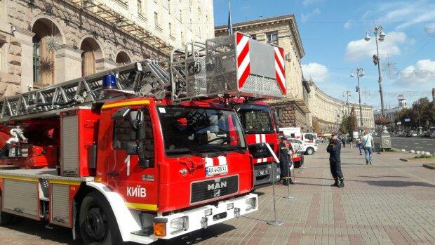 КМДА с Кличко окружили спасатели, десятки машин мчатся со всего города: что происходит
