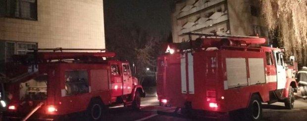 На Харьковщине пылает завод, адский огонь охватил огромную территорию: первые подробности