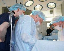На Волыни провели сверхсложную операцию, фото: Униан