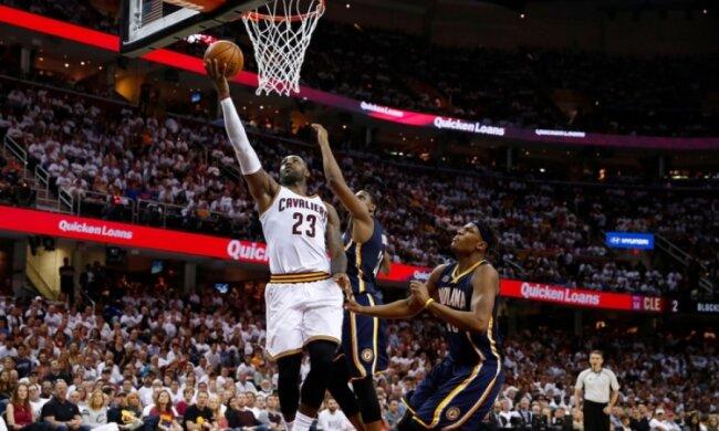 НБА: Реверс алей-уп ЛеБрона Джеймса серед найкращих моментів дня