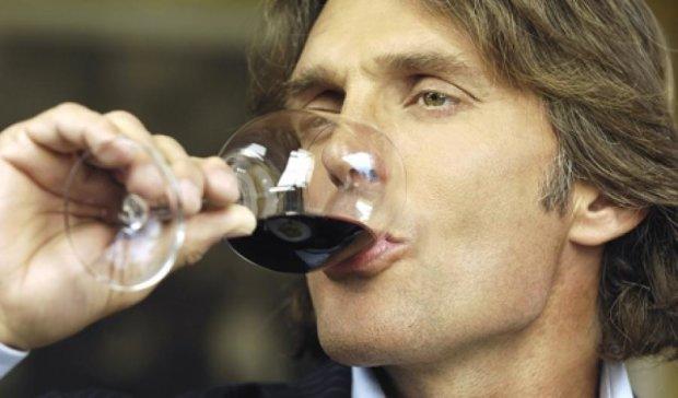 Вор влез в квартиру и дегустировал элитное вино