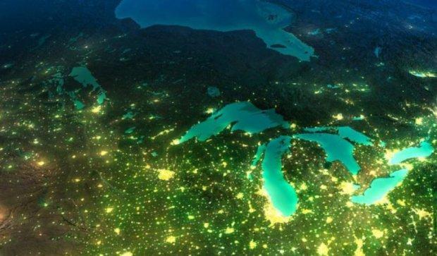 NASA показало зрелищные снимки ночной Земли (фото)