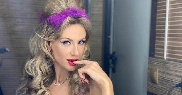 """Леся Нікітюк перетворилася на рin up красуню і заворожила підписників: """"Я загадала бажання..."""""""