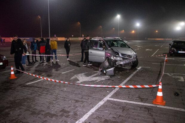 У Києві любитель дрифту збив двох людей і протаранив три авто: дикі кадри