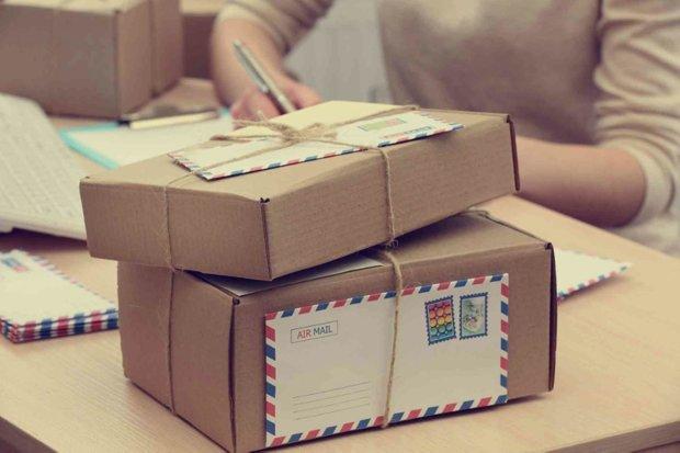 Посылки за границу станут золотыми: сколько придется выложить украинцам