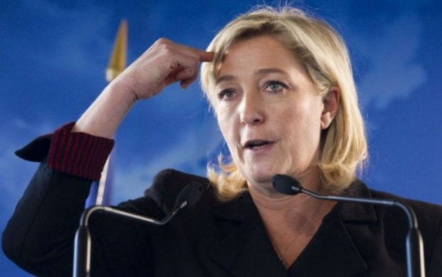 Масони оголосили війну Ле Пен
