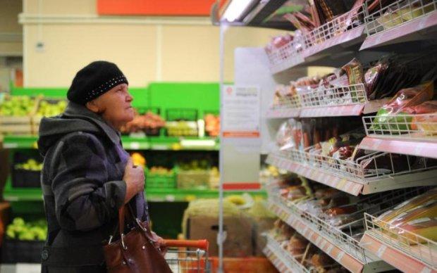 Новые цены на продукты заставляют украинцев голодать