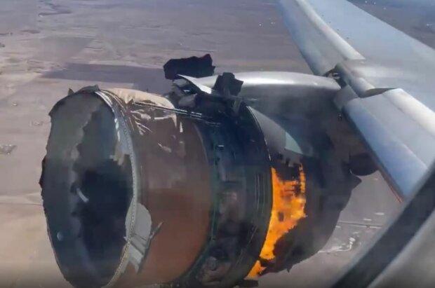 Двигун Boeing 777 загорівся в небі, фото: BBC