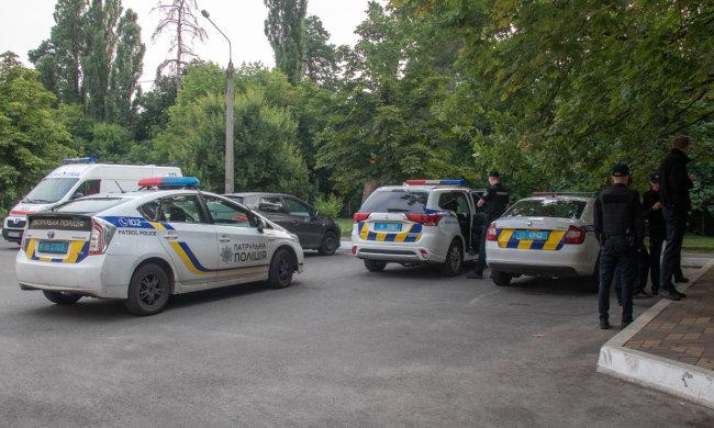 """В Киеве женщина родила посреди улицы и сбежала: бросила как щенка, младенец """"выкричал"""" свое спасение"""