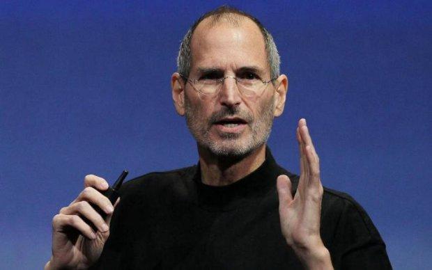 """Водолазки """"як у Джобса"""" коштуватимуть як iPhone"""