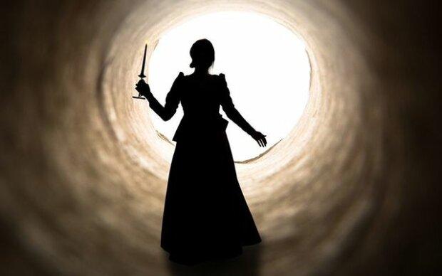 Жінка стверджує, що у минулому житті була вбивцею і зараз страждає за старі гріхи: удача обходить мене стороною