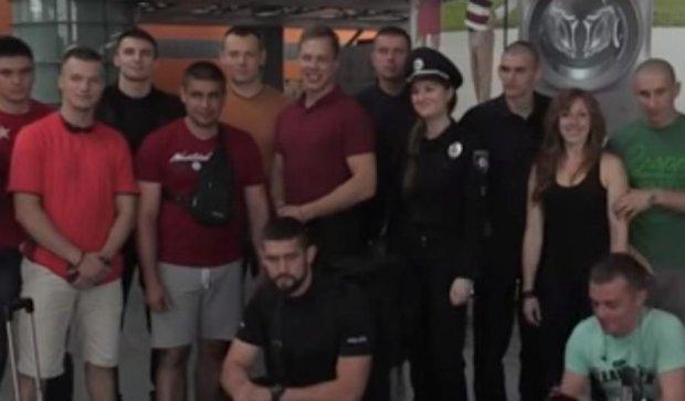 """Порошенко навчить поліцейських розганяти нові """"Майдани"""""""