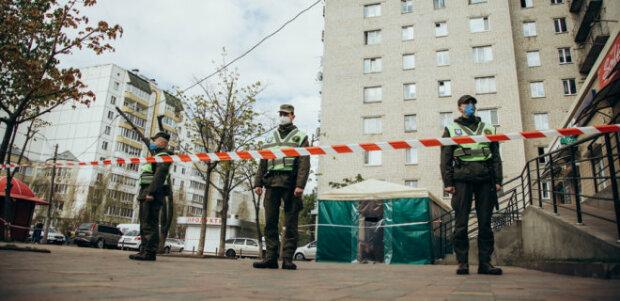 Мешканці злощасного гуртожитку у Вишневому зняли страхітливі кадри в ізоляції - що відбувається у будинку із зараженими та переляканими українцями