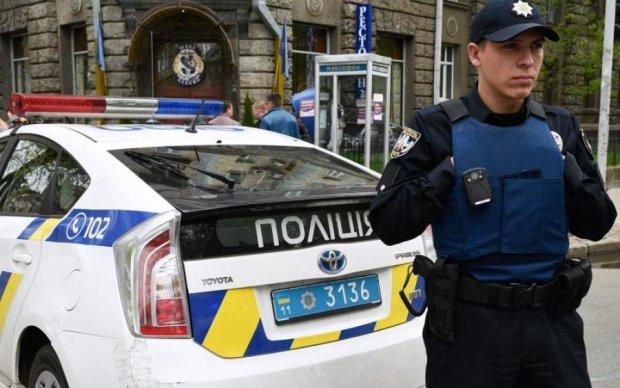 """Суворі київські грабіжники """"подоїли"""" помічника депутата"""