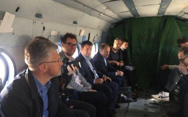 Європолітик прилетів до окупантів на Донбас