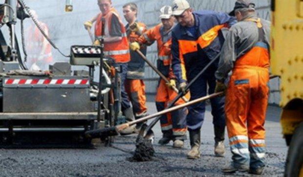 Відремонтувати кілометр дороги коштує 40 млн грн