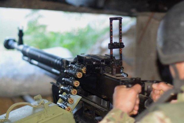 Дітей кидають в окопах, стріляють за відмову служити в армії: топ фейків бойовиків, які ще не протверезіли після Нового року