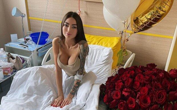 Українська Кардашьян після лікування в клініці зав'язала причинне місце на вузлик