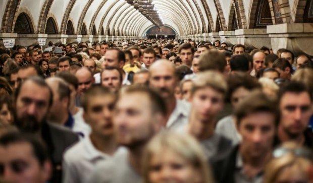 Від завтра столичне метро буде ходити частіше