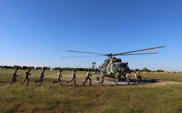 """Українські захисники показали, що робить їх """"невидимими"""""""