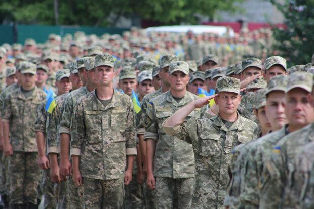 Львове, зустрічай героїв: сотні українських бійців повернуться додому з Донбасу