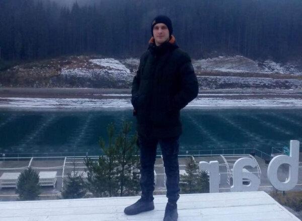 """На Тернопільщині круглий сирота став янголом-охоронцем для незнайомки: """"Врятував життя"""""""