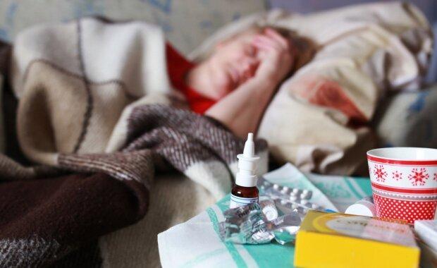 Украинцы массово страдают от вспышки опасного вируса, больницы переполнены: простые советы, как пережить осень