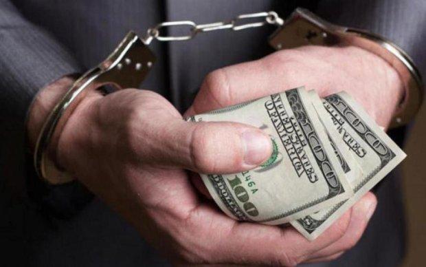 Медведчук: Боротьба з корупцією в Україні перетворилася на фарс