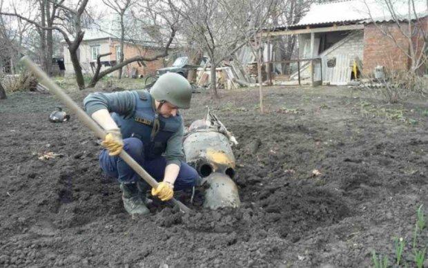 Копы схватили диверсантов с российским оружием (фото)