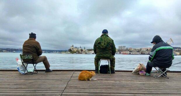 """Щуку-""""франкейштейна"""" поймали под Днепром: фото для """"железных"""" нервов"""