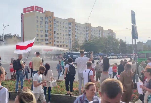Водомети у Білорусі, скріншот відео