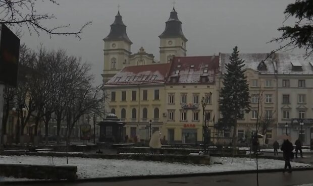 Снег во Франковске, кадр из видео, изображение иллюстративное: YouTube