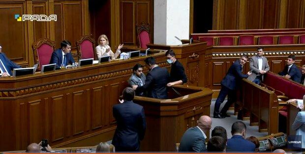 Сутички, Тищенко і Лерос - скріншот