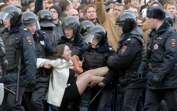 Кількість затриманих на мітингах у Москві перевалила за тисячу