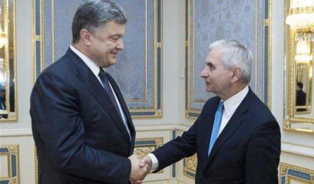 Американський сенатор назвав умови надання Україні летальної зброї
