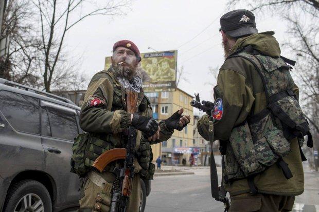 """Бандити вкрали у бандитів: терористів """"ЛНР"""" пограбували на мільйон, пенсій вже не буде"""