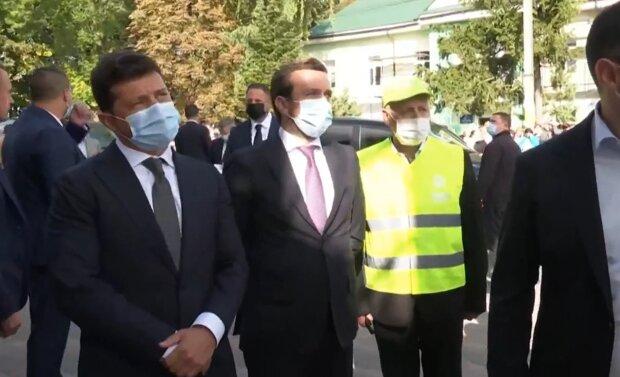 """Франківчани тицьнули Зеленського носом у """"золоті"""" платіжки за газ: """"Платимо двічі!"""""""