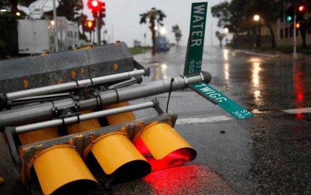 В сети показали последствия жуткого урагана в США