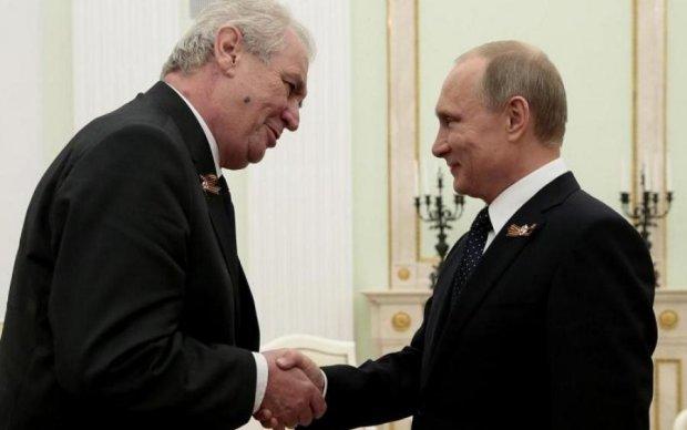 Распушил хвост: Путин обсудил планы на Донбасс с европейским лидером